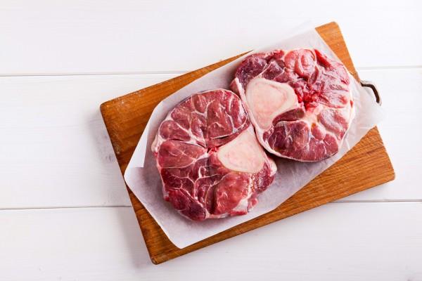 Rinderhaxe 1000g - Perfekt für Hackfleischgerichte, aber auch für Brühe und Suppen
